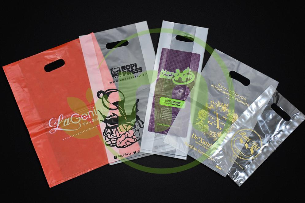 PRINTED PLASTIC BAG - DIE CUT HANDLE Image